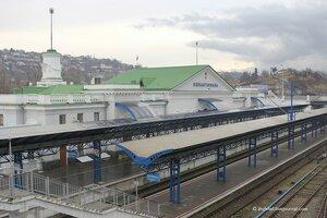 Пустынный вокзал Севастополя