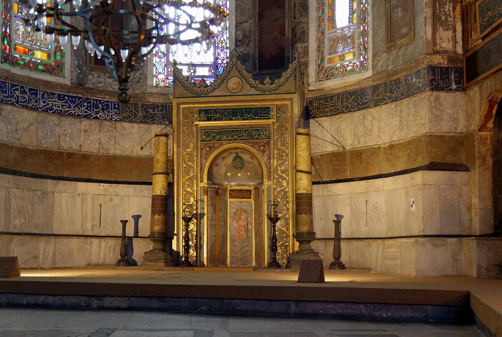 Внутри_собора_Святой_Софии,_Стамбул.jpg