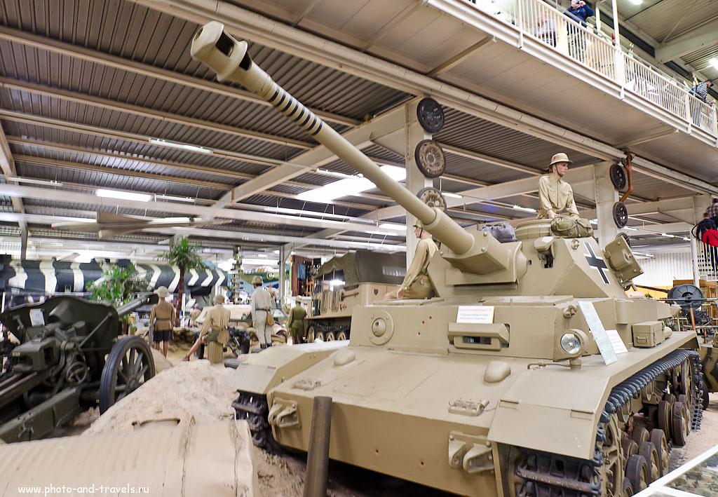 """3. Могу ошибаться, но мне кажется, что это - немецкий танк Panzerkampfwagen IV - самый массовый в фашистских танковых войсках Панцерваффе (всего выпущено 8686 машин). Отзыв о поезкде в музей военной техники """"Auto & Technik MUSEUM SINSHEIM"""" из Франкфурта-на-Майне. Объектив Samyang AE 14mm f/2.8 ED AS IF UMC 1/5 сек 0 eV приоритет диафрагмы f/8 14 мм 640"""