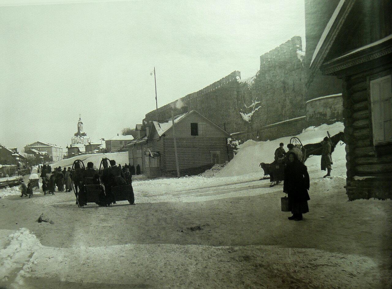 49. Улица Соболева и Духовская церковь