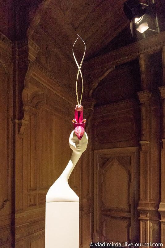 Азиатская орхидея. Неделя Высокой Моды. Париж. 2000.