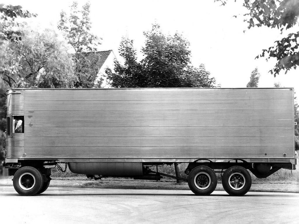 Fageol TC CargoLiner '1950 2.jpg
