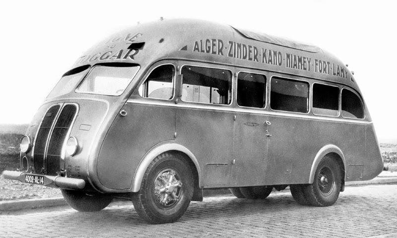 1937 Renault AGP85 Saharienne bus 1.jpg