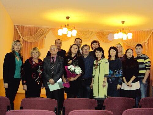 Участники вернисажа Анны Брагиной. 2014