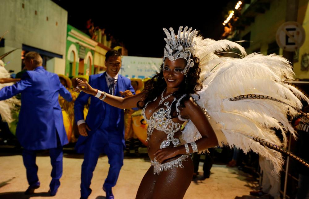 Карнавал «Llamadas» в Монтевидео
