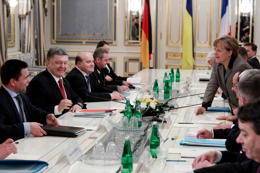 Порошенко, Олланд, Меркель в Киеве.png