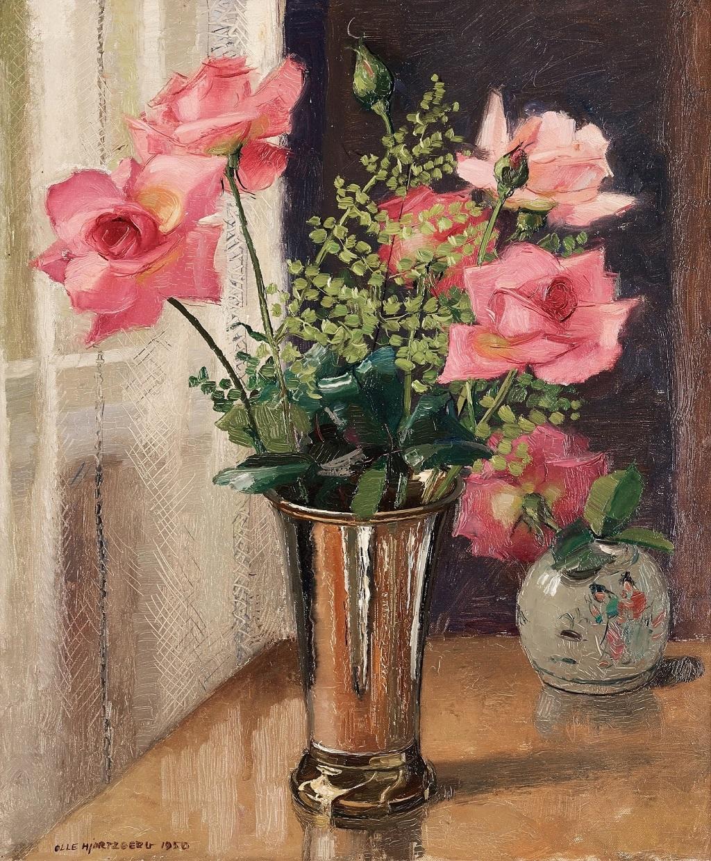 23-1950_Натюрморт с розами в серебряной вазе_65 x 54_х.,м._Частное собрание.jpg