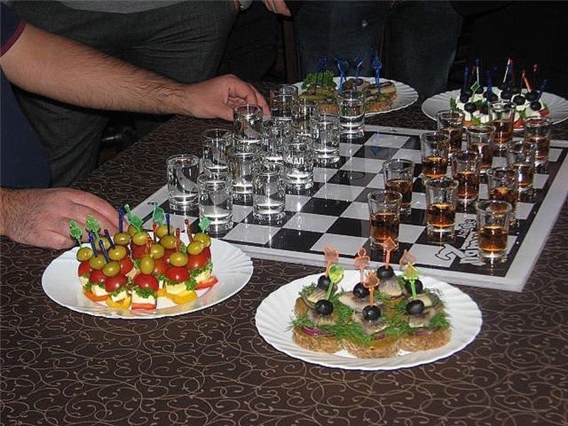 шашки из рюмок
