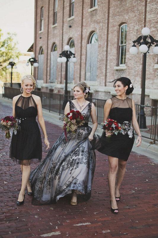 черное-свадебное-платье23.jpg