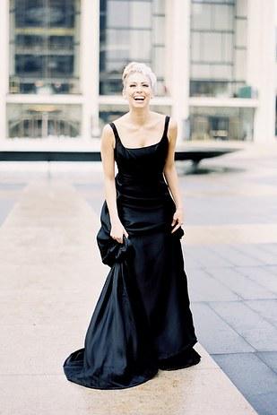 черное-свадебное-платье25.jpg