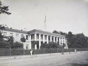 Фасад дачи П.П. Дурново на Полюстровской набережной.