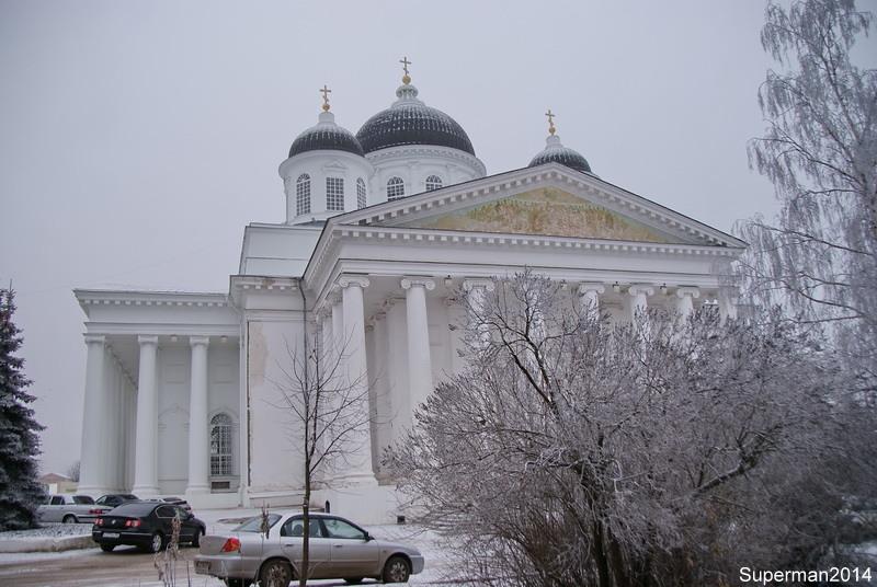 воскресенский собор описание расположен центре