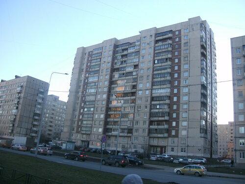 пр. Космонавтов 75