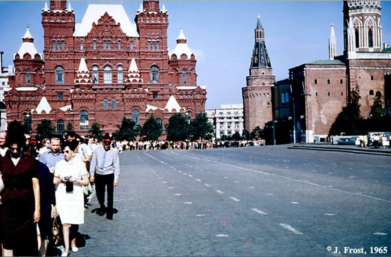 1965. Москва. Очередь в мавзолей