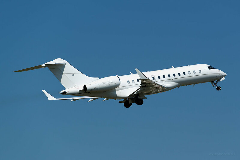 Bombardier BD-700-1A10 Global Express (VP-CKR) D809481