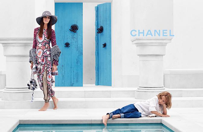 Джоан Смоллс (Joan Smalls) в рекламной фотосессии для Chanel