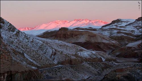 Первые лучи подкрасили снежные вершины... (1)