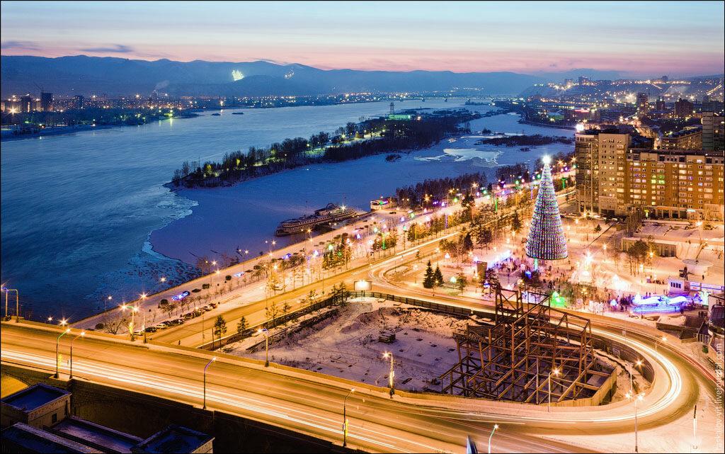 Развязка у моста и самая высокая елка в России