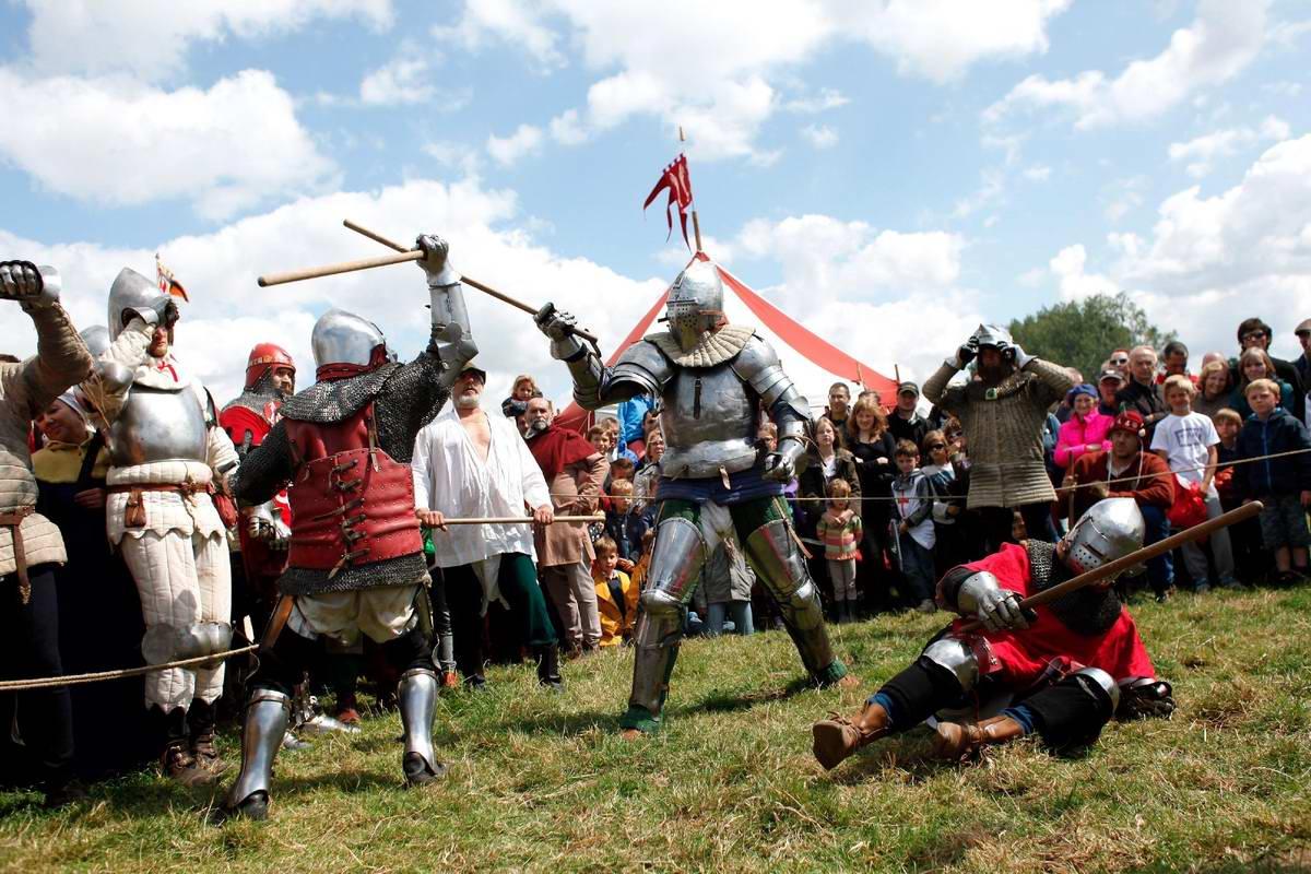 Эпизоды Столетней войны: Реконструкция битвы при Азенкуре в Северной Франции (14)