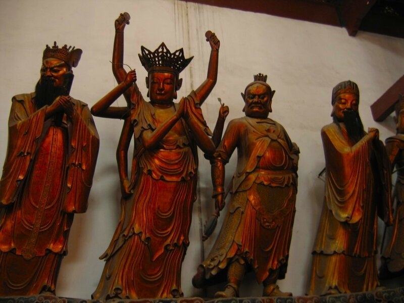 Монастырь Линъиньсы, Ханчжоу, статуи богов