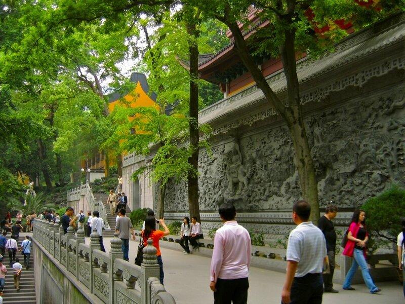 Стена с барельефами, Монастырь Линъиньсы, Ханчжоу