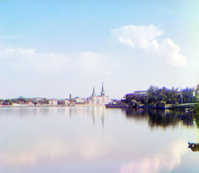 Екатеринбург. Центральная часть с прудом