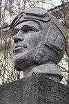 Бюст дважды Героя Советского Союза Б.Ф.Сафонова