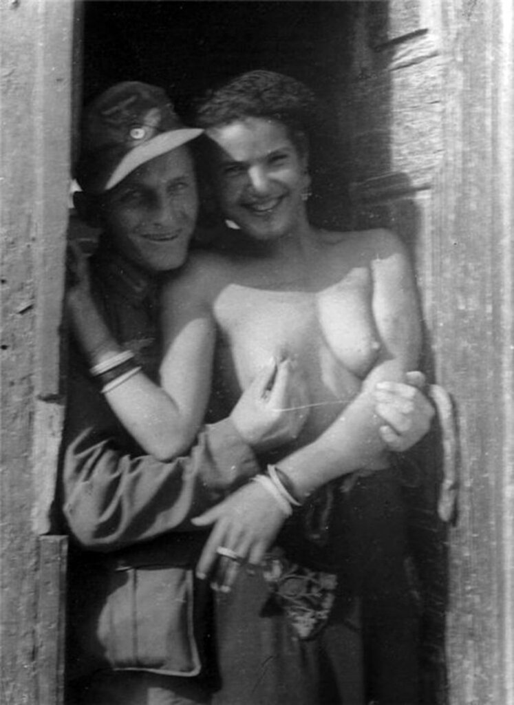 Немецкие офицеры и итальянские девушки секс