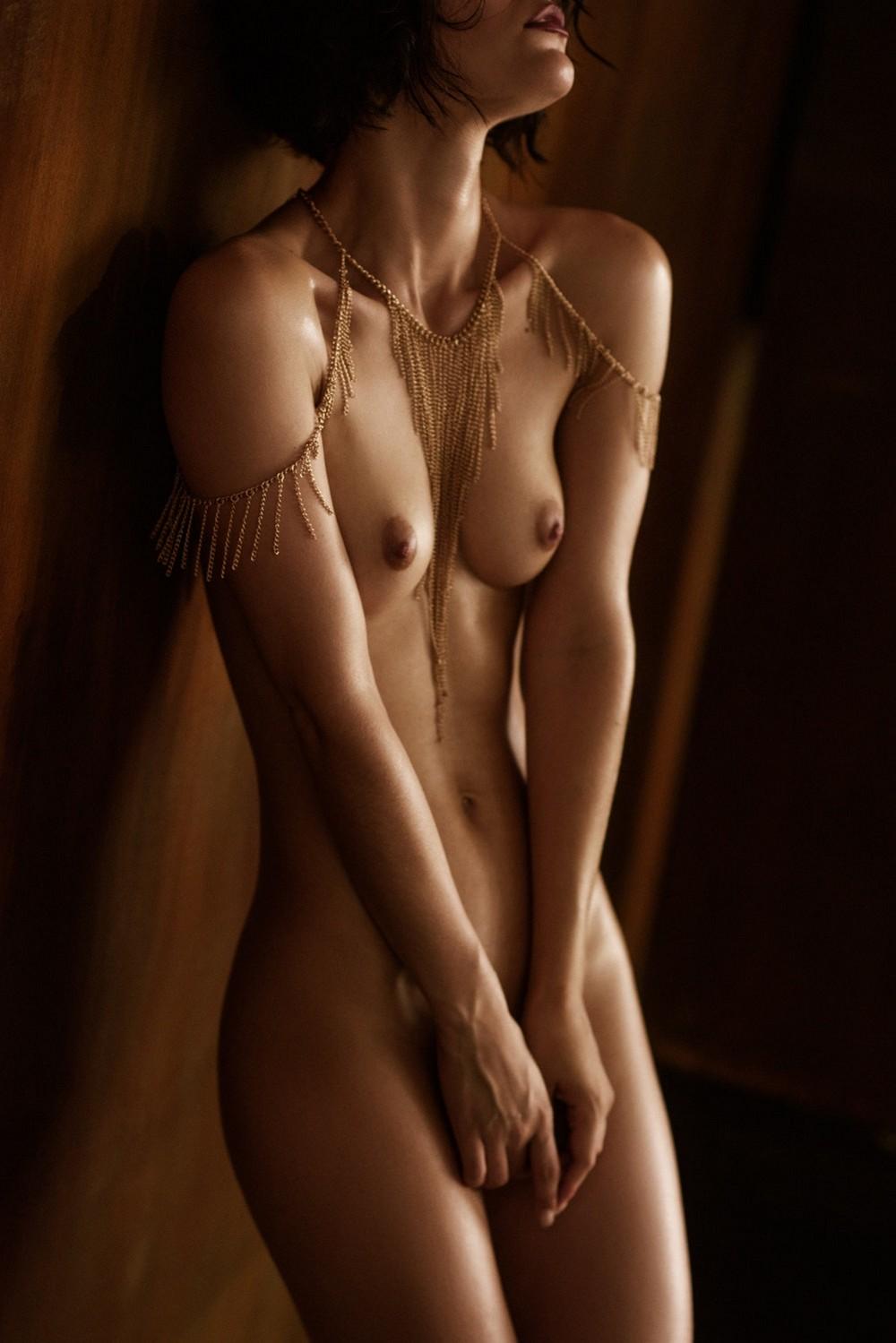 Красивое «Ню» Саши Лейендекера