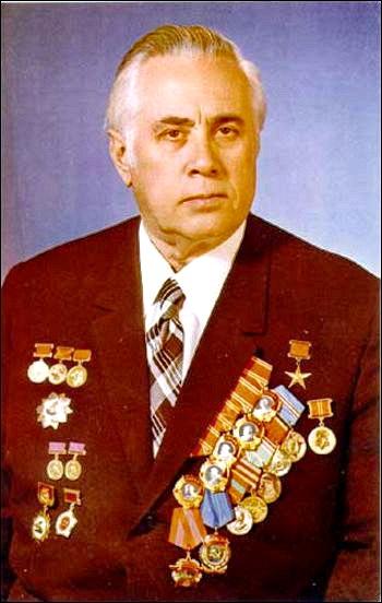 Советский конструктор Михаил Рязанский.jpg