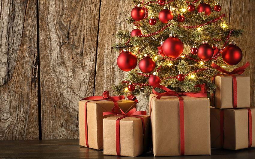 Новогодняя ёлка, подарки, праздник