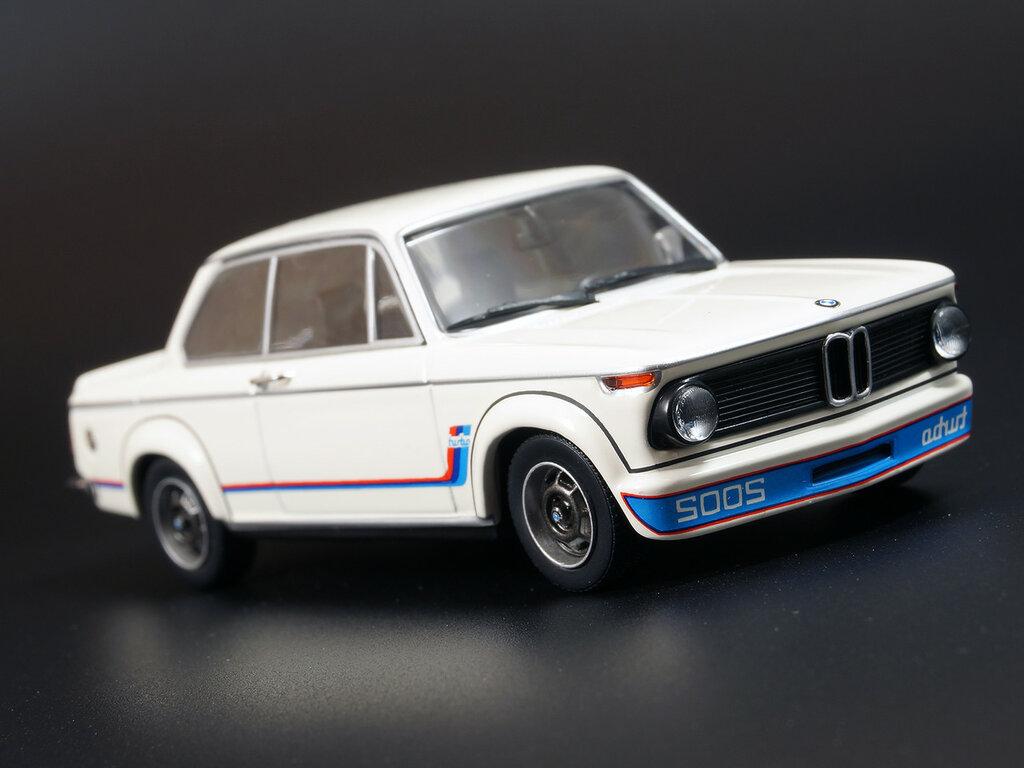 BMW_2002_M2_02.jpg