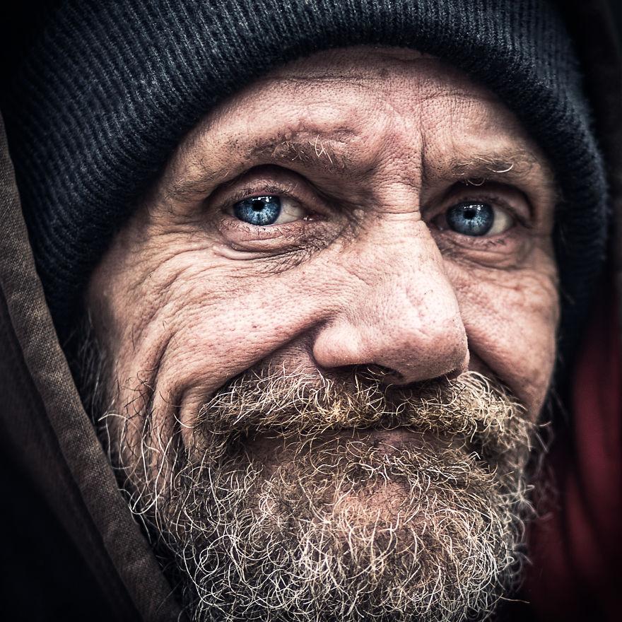 вам картинки радостные лица бедных людей юля даже