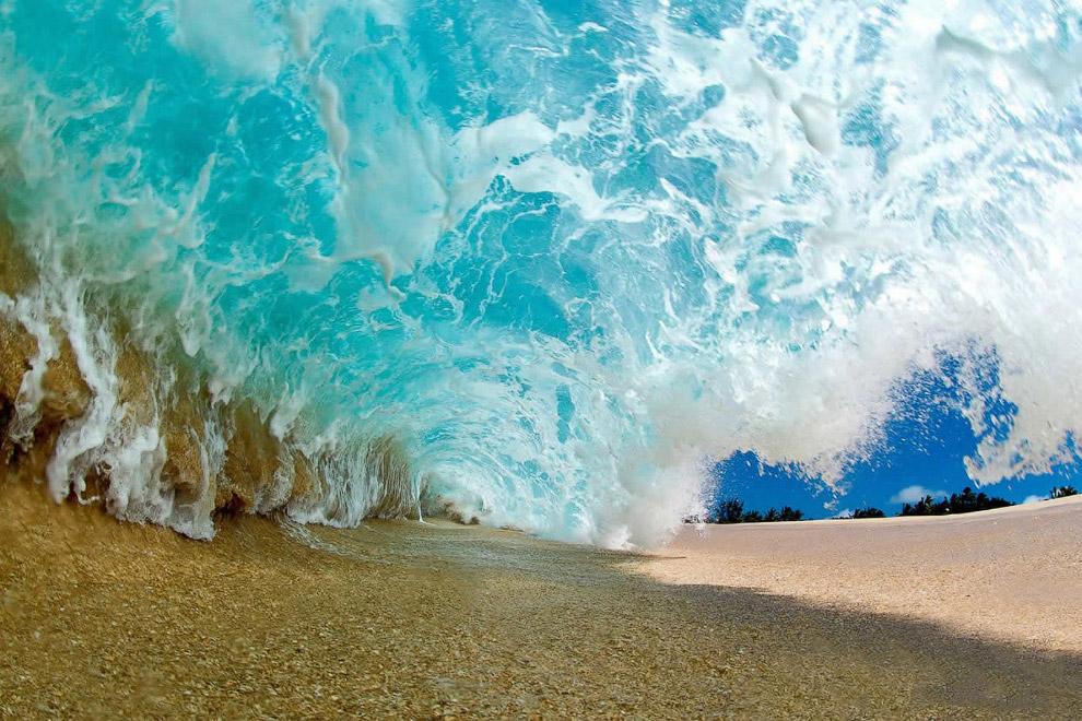 7. Фотограф Кларк Литл снимает волны на Гавайях: