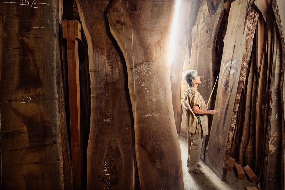 Мира Накасима, дизайнер и плотник в Нью-Хоуп, Пенсильвания. «Я обычно снимаю с большой глубиной резк