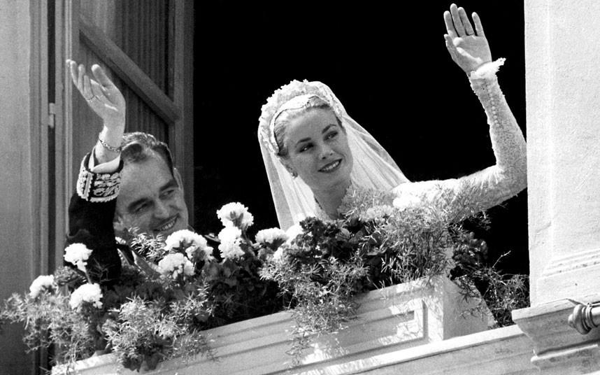 Ренье и Грейс после свадебной церемонии.