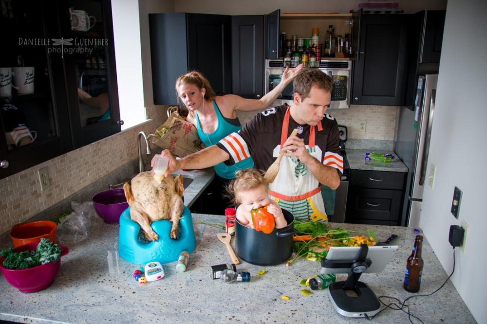 Как выглядит семейная жизнь на самом деле (12 фото)