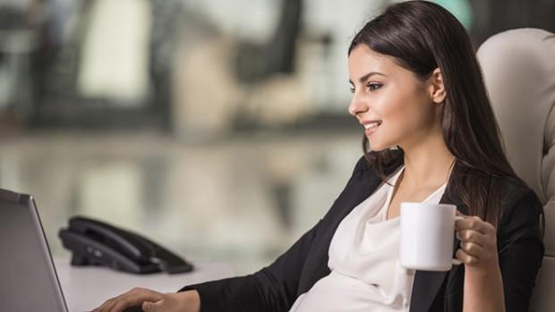 Беременным девушкам нельзя пить кофе, доказали ученые