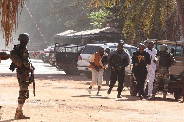 ВМали произошёл теракт, погибли 42 человека и5 боевиков-смертников
