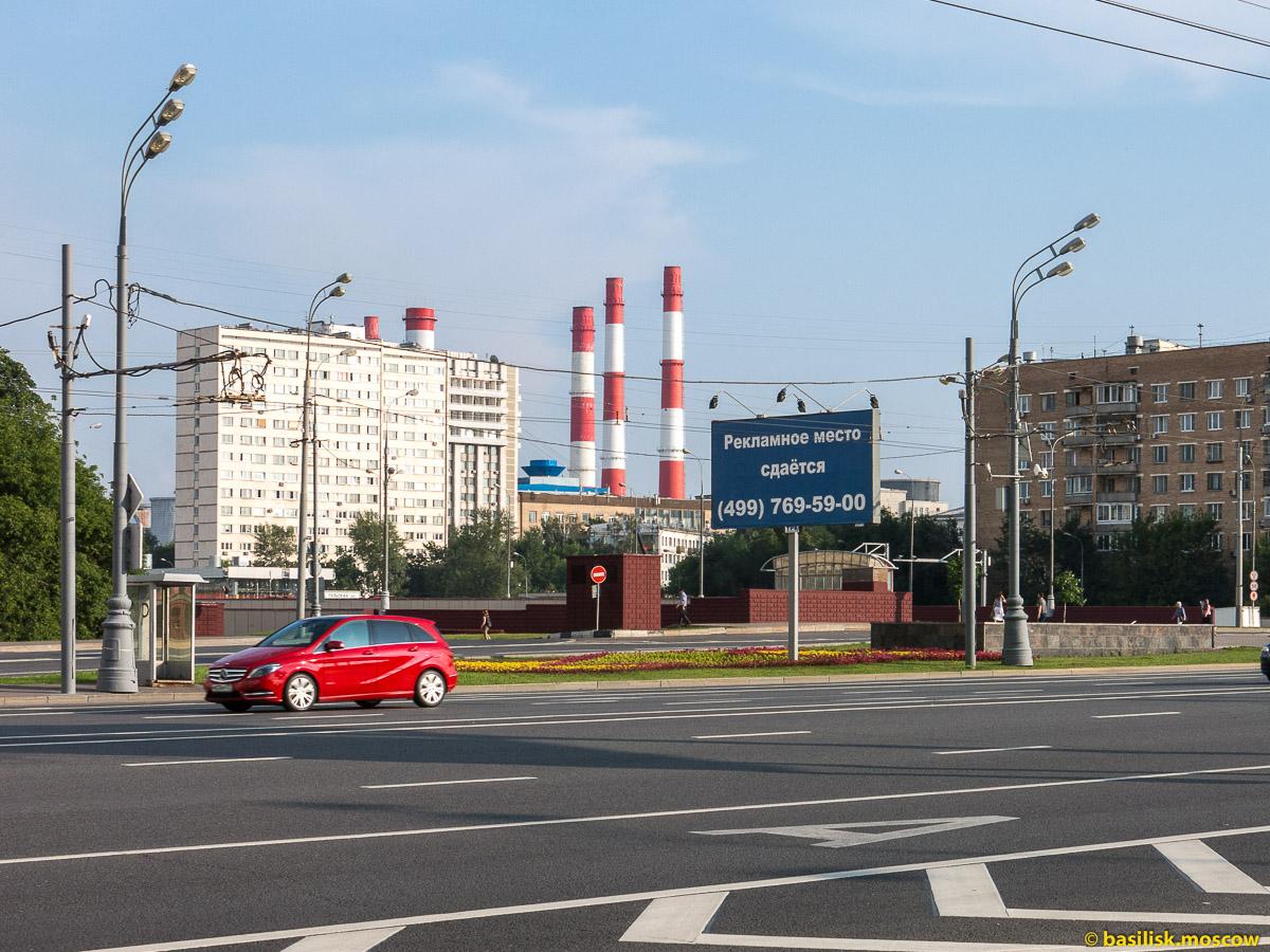 Площадь Гагарина. Ленинский проспект. Москва. Июль 2016