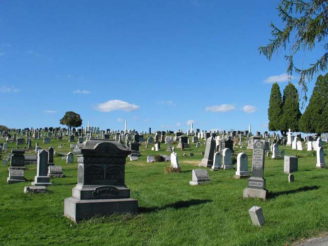 There are many cemeteries around the world that are popular with tourists and travelers that wan