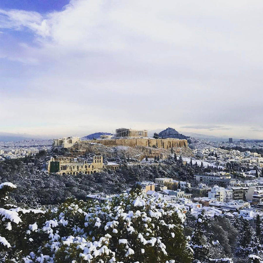 Superb Pictures of the Acropolis Covered with Snow
