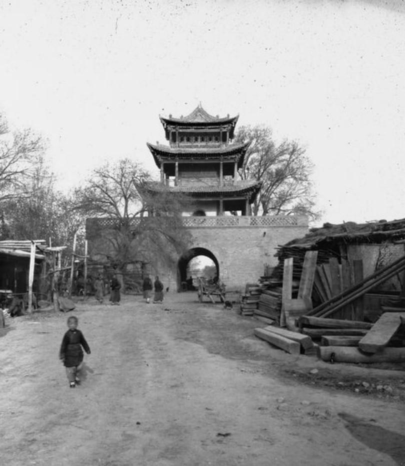 Ваншуганг. Центральная точка города, где пересекаются две основные улицы