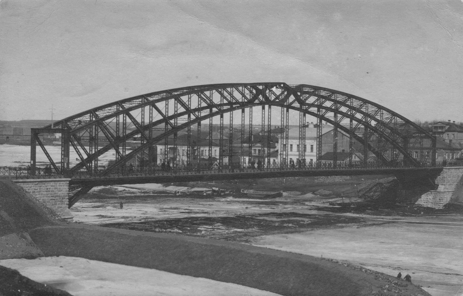 Мост через Мсту