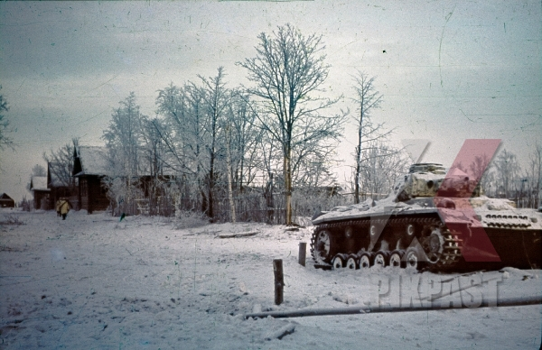 stock-photo-ww2-color-russia-winter-snow-1942-panzer-3-white-camo-paint-village-207-infantry-division-9063.jpg