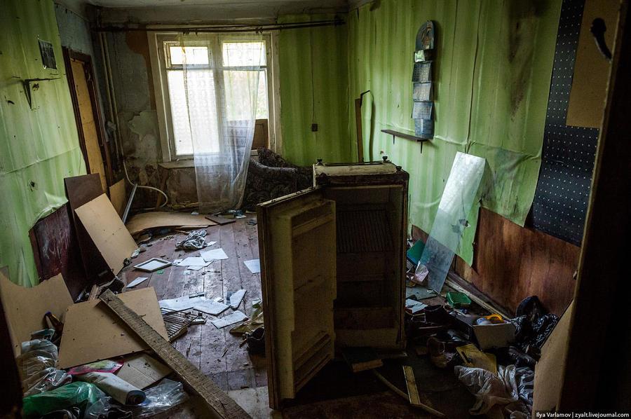 21. Комната счастливчиков, которых переселили.