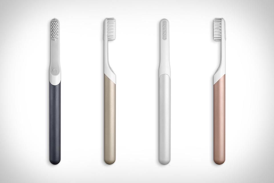 10. Электрическая зубная щетка Quip. С точки зрения технологий тут все по-старому, а вот инновационн