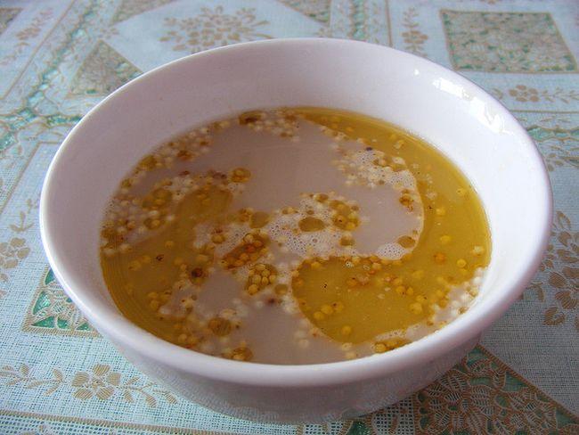 15. Монголия Монголы любят чай с молоком и солью, который подается в специальных чашечках.