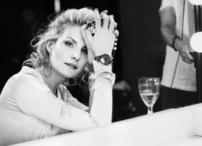 6. Рената Литвинова, 48 лет По словам актрисы, она всегда с удовольствием рассматривает свои фотогра