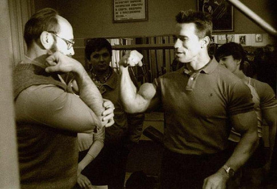 Встреча Арнольда Шварценеггера с Юрием Власовым годы спустя после первой встречи. Именно тогда его и